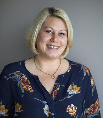 Profilbild von Anna Behrens - Inhaberin der Physiotherapiepraxis Weyhausen